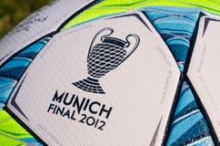 Kugel 2012 - Schluss UEFA-Champions League Stockbilder