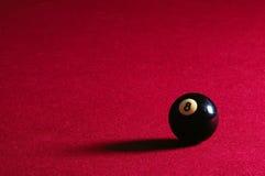 Kugel 8 auf Pool-Tabelle Stockfotografie