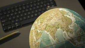 Kugel auf einem Desktop zeigt Indien Lizenzfreie Stockfotos