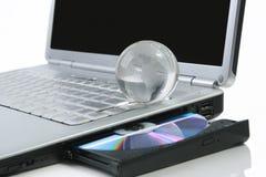 Kugel auf einem Laptop Stockfoto