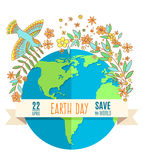 Kugel auf einem weißen Hintergrund, umgeben durch Blumen und Blätter Die Aufschrift auf der Fahne des Tages der Erde, am 22. Apri Lizenzfreie Stockbilder