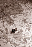 Kugel mit Reißnagel (Asien-Region) Stockbild