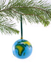 Kugel-Weihnachtsverzierung, die Afrika und Europa zeigt Lizenzfreie Stockbilder