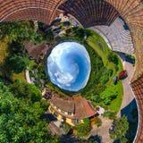 Kugelförmige kleine Planetenansicht wenigen Dorfs Breitenbach im Al Lizenzfreie Stockfotografie