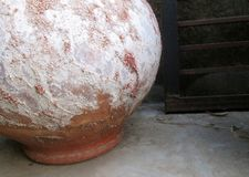 Kugelförmiger Boden-Topfhintergrund stockfotos