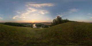Kugelförmiges Panorama des Sonnenuntergangshügels Stockfotografie