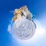Kugelförmiges Panorama 360 180 Grad Kapmedizinmann auf der Insel von Stockfotografie
