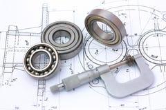 Kugellager mit Mikrometer auf technischer Zeichnung Lizenzfreies Stockfoto