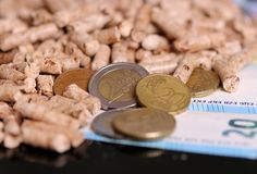 Kugeln und das Geld lizenzfreie stockfotografie