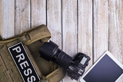 Kugelsichere Weste für Presse-, Kamera- und Tabletten-PC stockfoto
