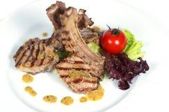 Kugge av kalvköttet med champinjonsås Royaltyfria Bilder