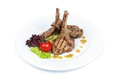 Kugge av kalvköttet med champinjonsås Fotografering för Bildbyråer