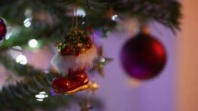Kuggefokus av julbeståndsdelar som garnering för ferie lager videofilmer