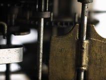 Kugghjul i mekanism av den gamla klockan Royaltyfri Fotografi