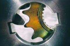 Kugghjul och kugghjul som iscensätter delar Arkivfoton