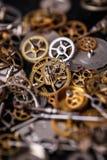 Kugghjul på tabellen Arkivfoto