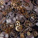 Kugghjul på tabellen Arkivbild