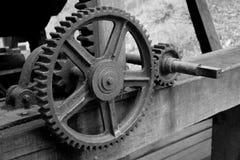 Kugghjul på trästrålarna Fotografering för Bildbyråer