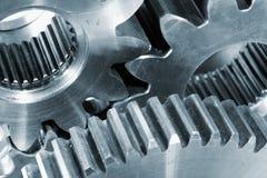Kugghjulet wheels in titaniumen Arkivfoto