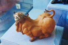 Kuh _keramische Skulptur Stockbild
