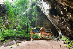 Kuha Karuhas pavillon in Phraya Nakorn cave Royalty Free Stock Photos