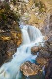 Kuhfluchtwasserfall小瀑布 法尔先特,加米施・帕藤吉兴 免版税图库摄影
