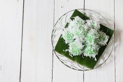 Kuih traditionnel malaisien Ondeh Ondeh ou Kelepon pour l'Indonésien Images libres de droits