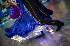 Kuje cieki i nogi tancerze obraz royalty free