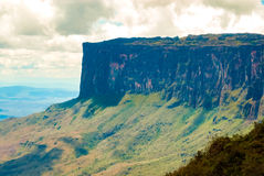 Kukenan Tepui, Gran Sabana, Venezuela. View of Kukenan Table Mountain from trekking path on Roraima summit, Canaima National Park, Venezuela Stock Images