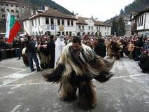 Kukeri в Shiroka Laka, Болгарии Стоковые Фотографии RF