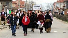 Kukeri - фестиваль masquerade в Rakovski, Болгарии акции видеоматериалы