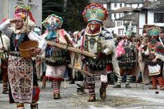 Kukeri dans Shiroka Laka, Bulgarie Photos stock