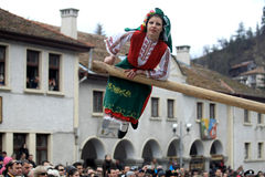 Kukeri dans Shiroka Laka, Bulgarie Photos libres de droits