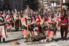 Kukeri i Shiroka Laka, Bulgarien royaltyfria foton