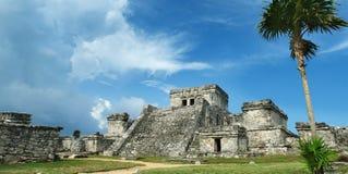 Kukulcan El卡斯蒂略玛雅金字塔在奇琴伊察,墨西哥 库存例证