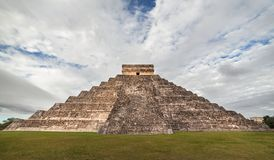 Kukulcan tempel på Chichen Itza, Yucatan, Mexico Arkivfoto