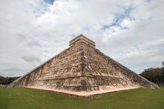 Kukulcan tempel på Chichen Itza, Yucatan, Mexico Royaltyfri Fotografi