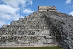 Kukulkan寺庙,金字塔在奇琴伊察,尤加坦,墨西哥 免版税图库摄影