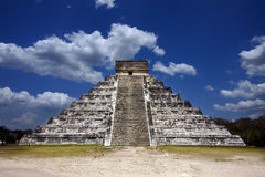 Kukulkan ,el castillo stock photos