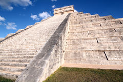Kukulkan Pyramid in Chichén Itzá Royalty Free Stock Photo