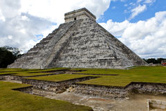 Kukulkan Pyramid in Chichen Itza on the Yucatan, Mexico Stock Photo