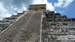 Kukulkan pyramid in Chichen Itza Stock Photo