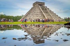 Kukulkan pyramid i Chichen Itza, Yucatan Arkivfoto