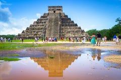Kukulkan pyramid i Chichen Itza, Yucatan Royaltyfri Fotografi