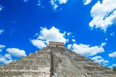 Kukulkan pyramid i den Chichen Itza platsen arkivbild