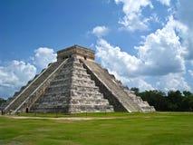 Kukulkan Pyramide bei Chichen Itza Stockfotografie