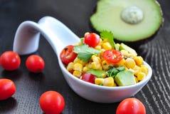 Kukurudzy i Avocado sałatka obraz royalty free