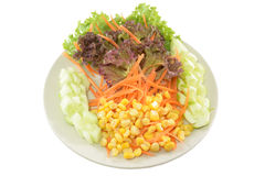Kukurydzana sałatka dalej odizolowywa tło z ścieżką Obraz Royalty Free