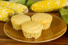 kukurydzani świezi muffins zdjęcia stock