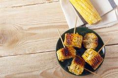 Kukurydzani cobs gotujący na grillu fotografia stock